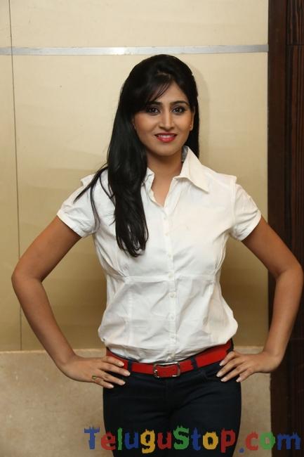 Shamili New Stills-Shamili New Stills--Telugu Actress Hot Photos Shamili New Stills-