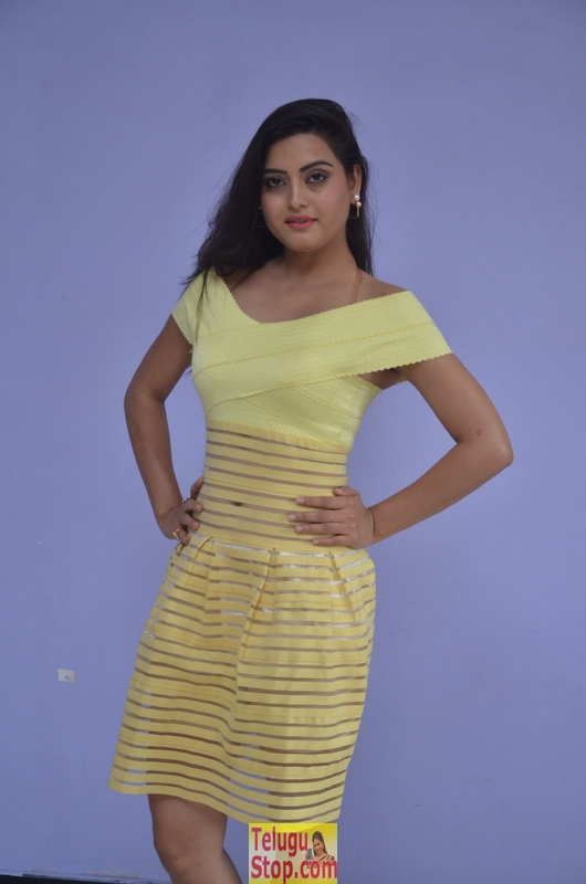 Shipra Gaur Latest Stills-Shipra Gaur Latest Stills-