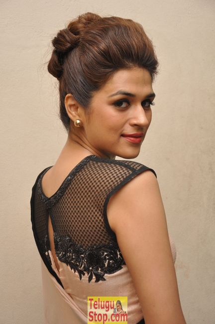Shraddha das new stills 2