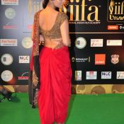 shriya-saran-latest-stills03