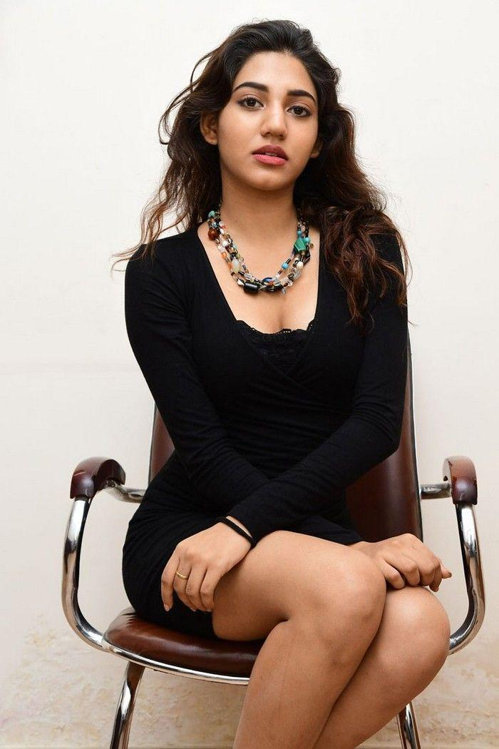 Sonakshi singh rawat latest images- Photos,Spicy Hot Pics,Images,High Resolution WallPapers Download