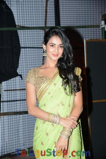Sonal Chauhan New Stills-Sonal Chauhan New Stills-