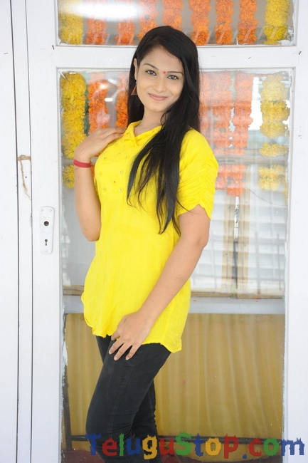 Sonali Deekshit Latest Stills-Sonali Deekshit Latest Stills-