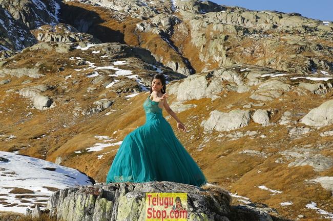 Soukyam Movie New Images-Soukyam Movie New Images-