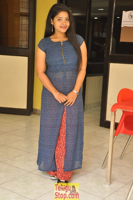 Sravanthi latest stills- Photos,Spicy Hot Pics,Images,High Resolution WallPapers Download