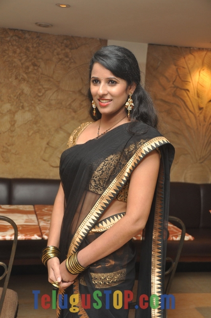 Sravya Reddy New Stills-Sravya Reddy New Stills--Telugu Actress Hot Photos Sravya Reddy New Stills-