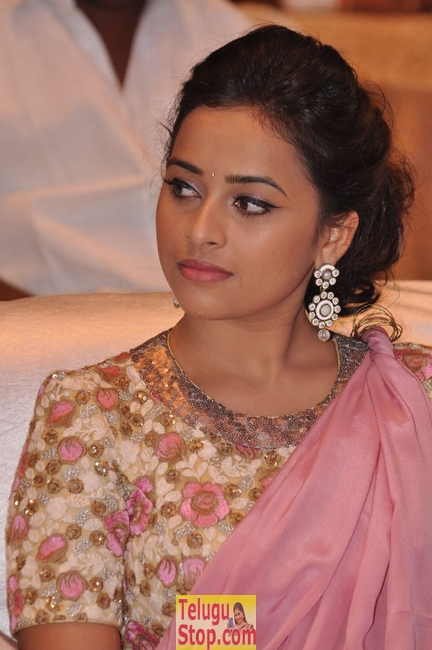 Sri divya new pics 4- Photos,Spicy Hot Pics,Images,High Resolution WallPapers Download