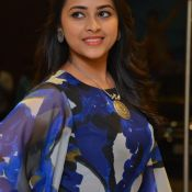 sri-divya-new-stills10