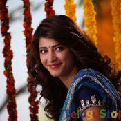 Sruthi Hassan New Pics