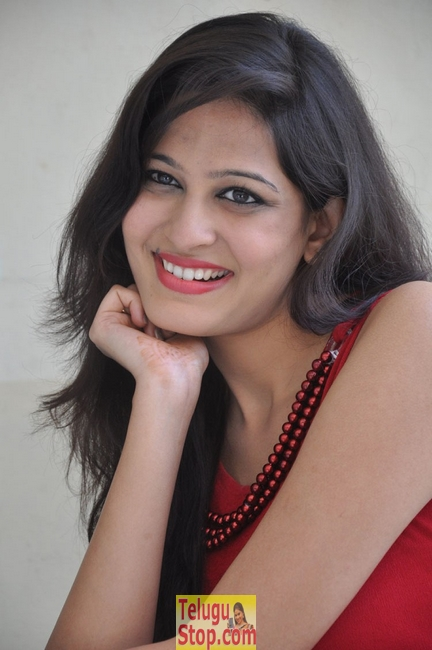 Swetha new stills- Photos,Spicy Hot Pics,Images,High Resolution WallPapers Download