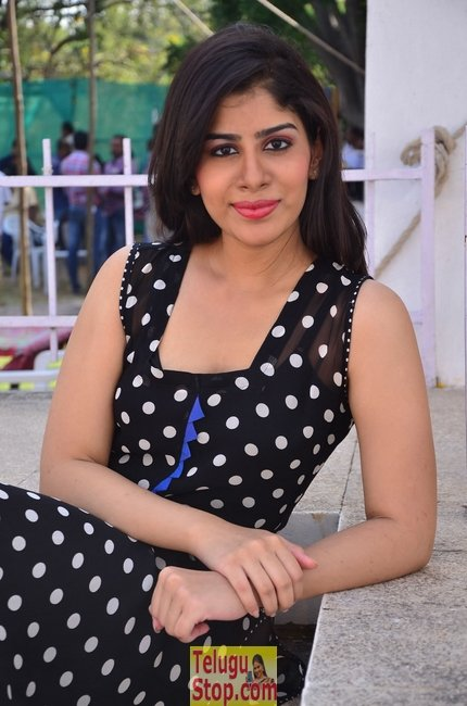 Tanya reddy new stills- Photos,Spicy Hot Pics,Images,High Resolution WallPapers Download