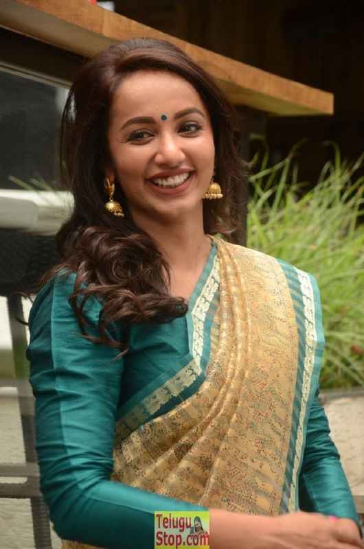 Tejaswi Madivada Latest Stills-Tejaswi Madivada Latest Stills-