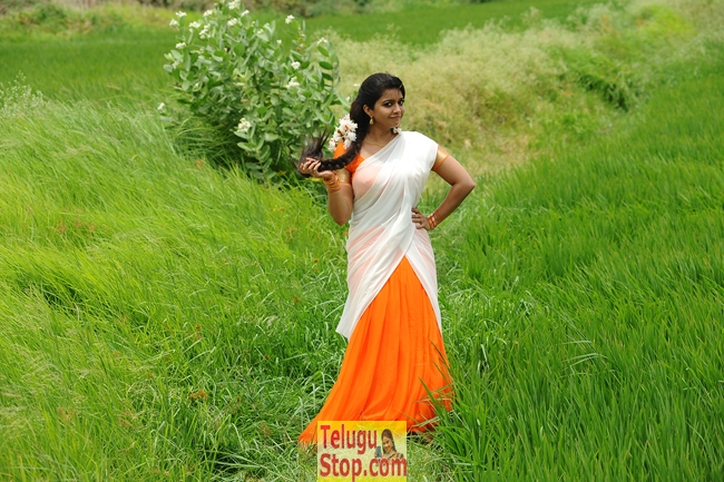 Tripura movie new stills- Photos,Spicy Hot Pics,Images,High Resolution WallPapers Download
