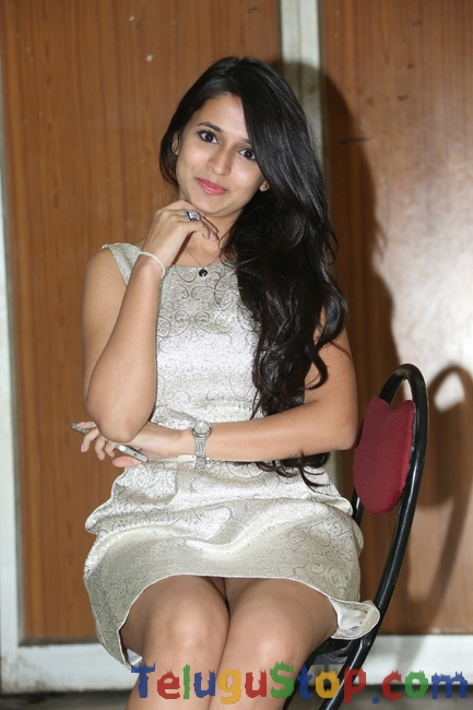 Trishala shah stills- Photos,Spicy Hot Pics,Images,High Resolution WallPapers Download