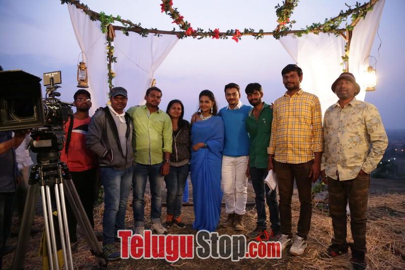 Vaadena movie stills