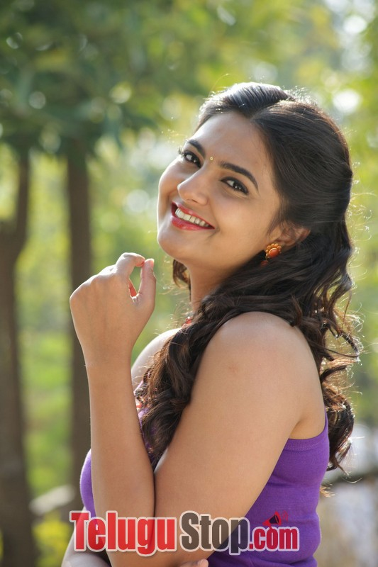 Vaadena movie stills- Photos,Spicy Hot Pics,Images,High Resolution WallPapers Download