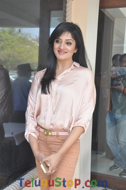 Vimala raman latest stills- Photos,Spicy Hot Pics,Images,High Resolution WallPapers Download