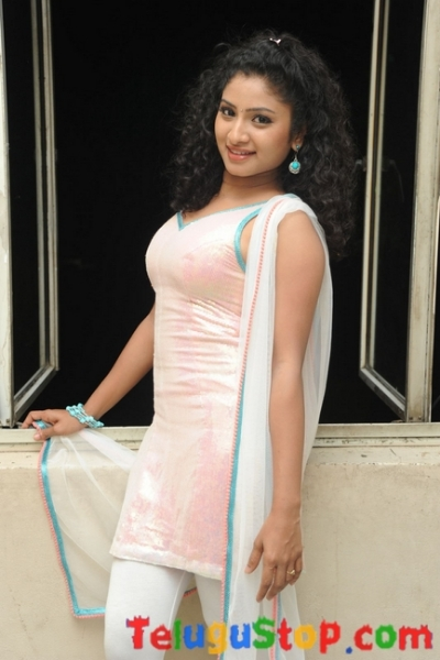 Vishnu Priya Latest Stills-Vishnu Priya Latest Stills--Telugu Actress Hot Photos Vishnu Priya Latest Stills-