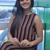 yamini-bhaskar-new-stills02