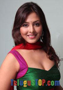 Madhu shalini Actress Profiles & Biography