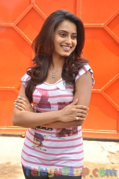 Dimple Chopade New Stills-Dimple Chopade New Stills--Telugu Actress Hot Photos Dimple Chopade New Stills-