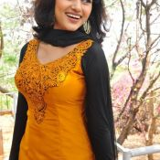 Oviya New Stills Pic 6 ?>