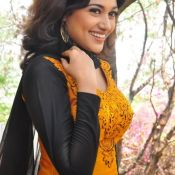 Oviya New Stills Hot 12 ?>