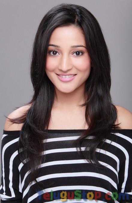 Ritu Barmecha Latest Stills-Ritu Barmecha Latest Stills--Telugu Actress Hot Photos Ritu Barmecha Latest Stills-