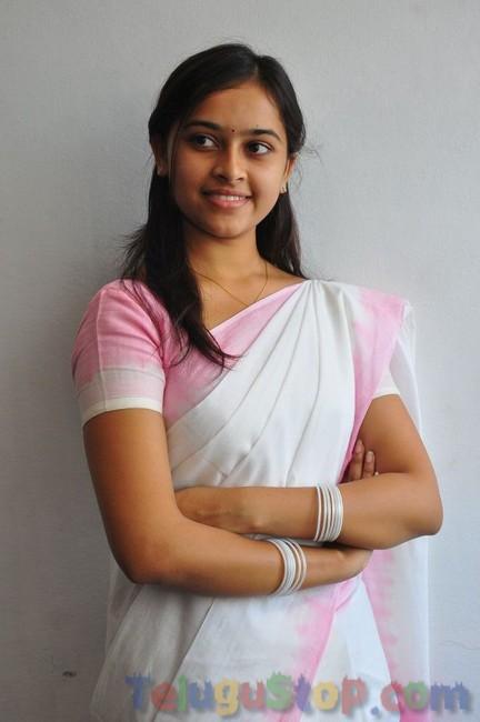 Sri Divya New Stills-Sri Divya New Stills-