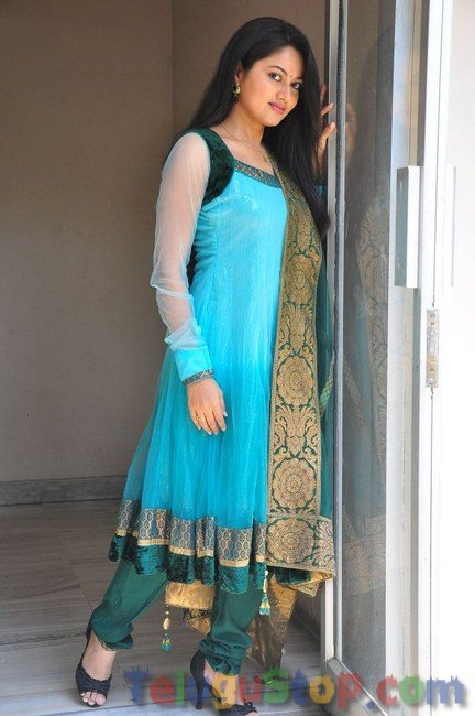 Suhasini New Stills-Suhasini New Stills--Telugu Actress Hot Photos Suhasini New Stills-