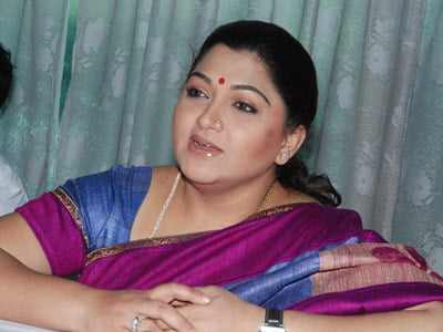 Kushboo House Attacked