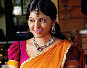 Anjali got married with a politician?!