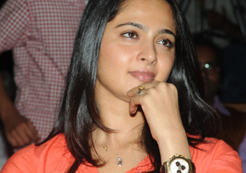 Anushka Latest Stills-Anushka Latest Stills---