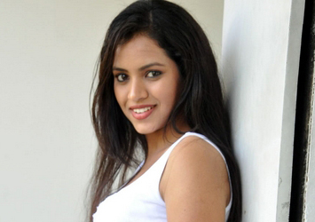 Gouthami Spicy Stills Photo Image Pic