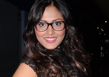 Madhu Shalini Latest Stills-Madhu Shalini Latest Stills---