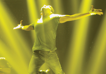 1 Nenokkadine Movie Wallpapers...