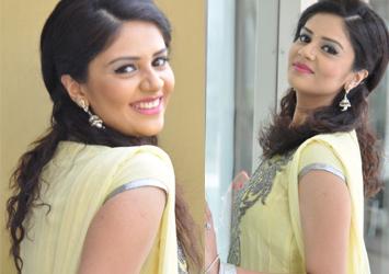 Actress Sree Mukhi Gallery-Actress Sree Mukhi Gallery---