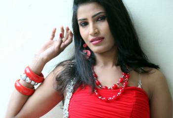 Sruthi Spicy Stills Photo Image Pic