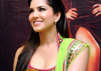 Sunny leone Hot Stills Photo Image Pic