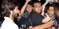 Caught On cam: Shahid Kapoor's bouncer 'molests his fan' Photos,Caught On cam: Shahid Kapoor's bouncer 'molests his fan' Images,Caught On cam: Shahid Kapoor's bouncer 'molests his fan' Pics