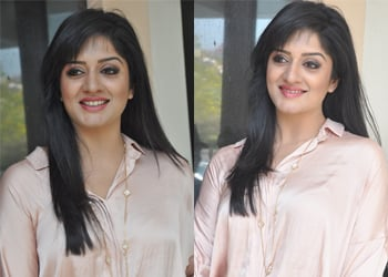 Vimala Raman Latest Stills-Vimala Raman Latest Stills--Telugu Actress Hot Photos Vimala Raman Latest Stills---