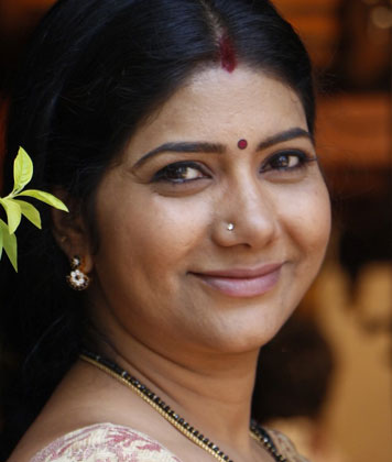 Usha Rani Photo,Image,Pics-Telugu TV Serial Actress,Usha Rani Movies Etc,Usha Rani News,Usha Rani Photos,Usha Rani Profile & Biography - 1 Stop For Watching All Usha Rani Videos,Usha Rani Serials,Usha Rani Tweets,Usha Rani Youtube Videos