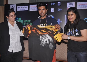 Ram Charan At Earth Hour 2014 Event...