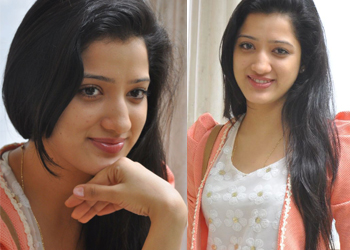 Richa Panai Stills-Richa Panai Stills--Telugu Actress Hot Photos Richa Panai Stills---
