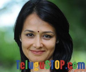 Star Hero's Wife Opposed Cock Fights- Telugu