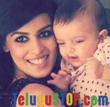 Pic Talk: Genelia- Ritesh's cute kid!