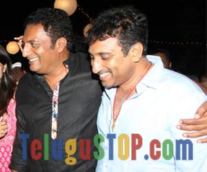 Spotted: Srinu Vailta and Prakash Raj patch up Photo Image Pic