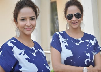 Manchu Lakshmi New Gallery