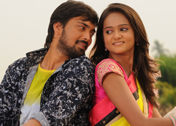 Godavari Navvindi Movie Stills