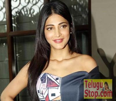 Shruti Haasan to Dub her Own Voice Photo Image Pic